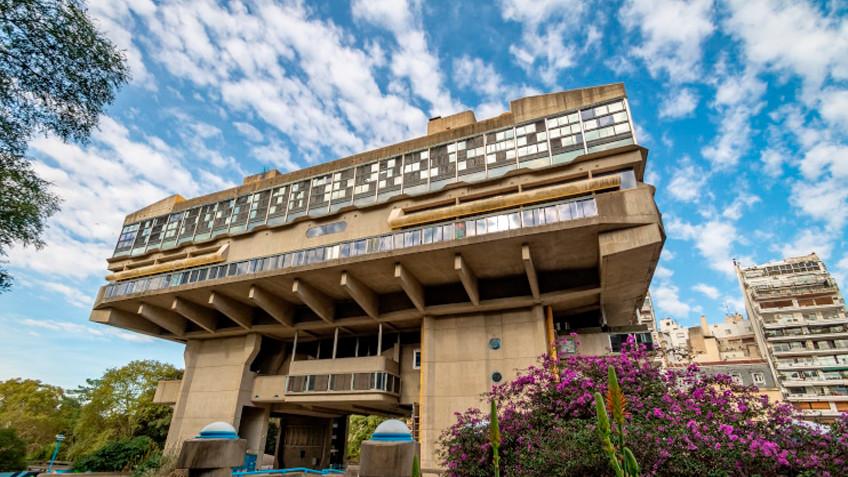 Tiflonexos y la Biblioteca Nacional Argentina